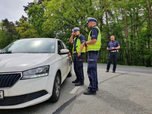 Akcja opolskiej policji na DK94. Nie obyło się bez mandatów, a kierowcy byli też szkoleni z pierwszej pomocy.