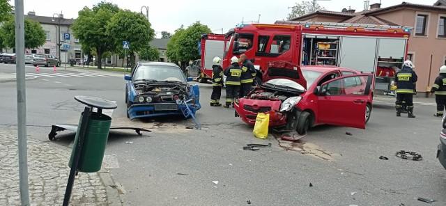 Poważny wypadek wydarzył się we wtorek 1 czerwca po południu na placu Reymonta.ZDJĘCIA I WIĘCEJ INFORMACJI KLIKNIJ DALEJ