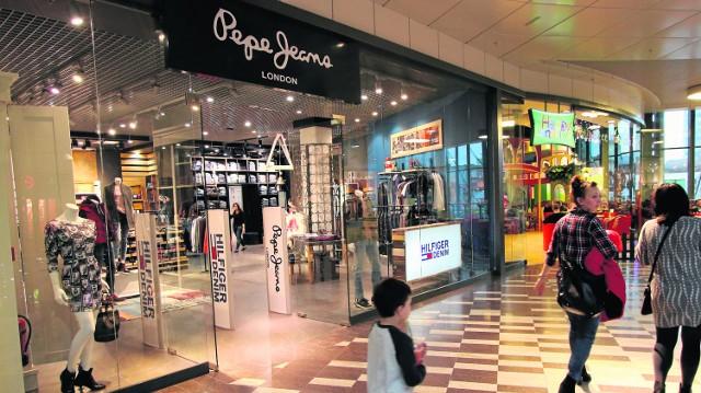 Pepe Jeans z promocjami w nowej lokalizacji w Galerii Korona w KielcachPepe Jeans znajduje się teraz w nowym miejscu - na poziomie 1 obok bawialni Happy Land.