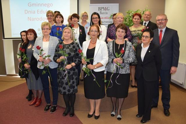 Medale i nagrody powędrowały do nauczycieli z kilku placówek działających w gminie Barcin