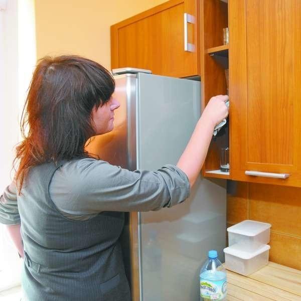 W mieszkaniu lub domu alergika należy często sprzątać, wietrzyć, trzepać.