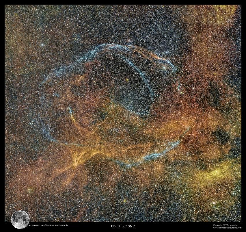 Pozostałości po supernowej W63, tzw. Pętla Łabędzia. To...