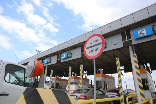 Na A4 w Gliwicach Sośnicy pojawią się specjalne pasy przejazdowe dla użytkowników nowego systemu poboru opłat e-TOLLZobacz kolejne zdjęcia. Przesuwaj zdjęcia w prawo - naciśnij strzałkę lub przycisk NASTĘPNE