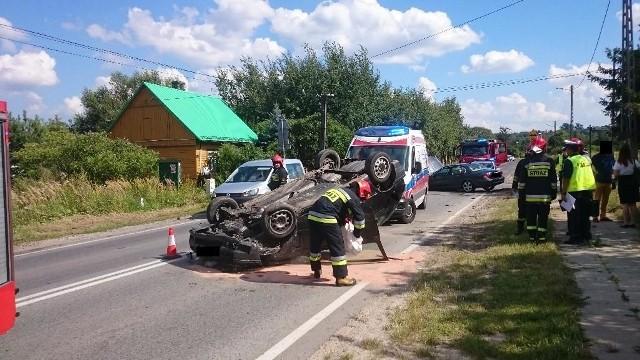 Groźnie wyglądające zderzenie dwóch samochodów w Starachowicach.