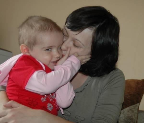 Karolinka Molska z mamą Dagmarą.