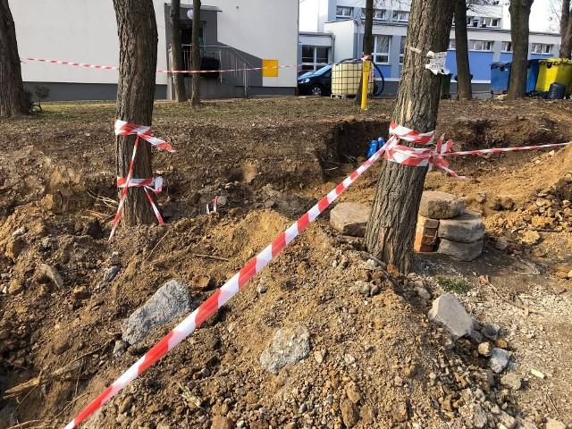 Budowa drogi w rejonie bloków na os. Na Wzgórzach