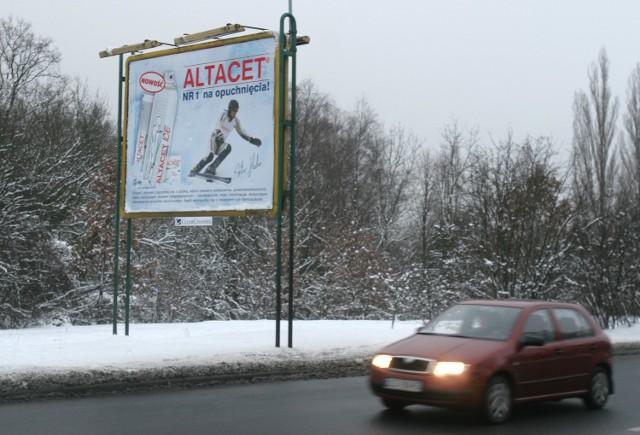 Billboard z zakazaną reklamą Altacetu znaleźliśmy m.in. przy ul. Obotryckiej w Szczecinie.