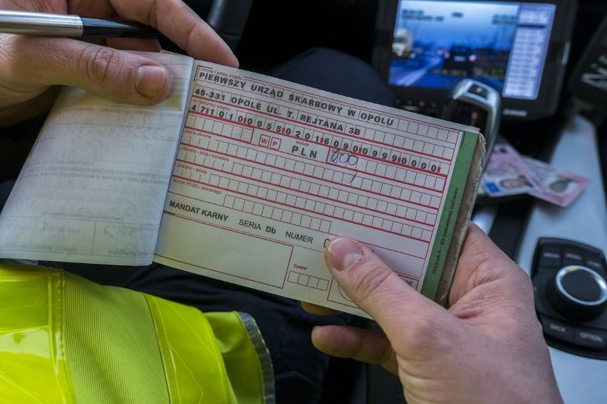 W Polsce kierowcy mogą dostać mandat za wiele wykroczeń na...