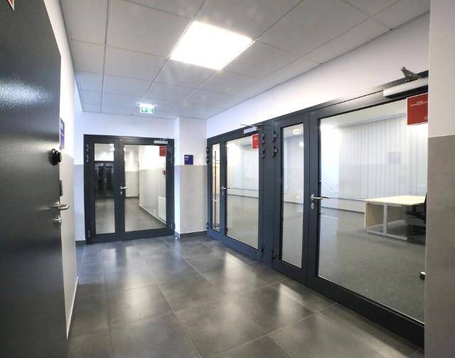Nowa siedziba wadowickiej policji. W środku jest nawet atrium.