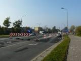 Sześć wahadeł na jednej drodze - zmora kierowców dojeżdżających do Pabianic. ZDJĘCIA