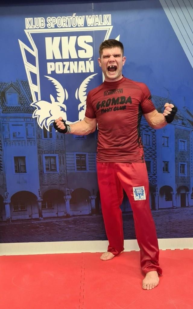Mateusz Kubiszyn z mistrza kickboxingu powoli staje się też mistrzem walki na gołe pięści