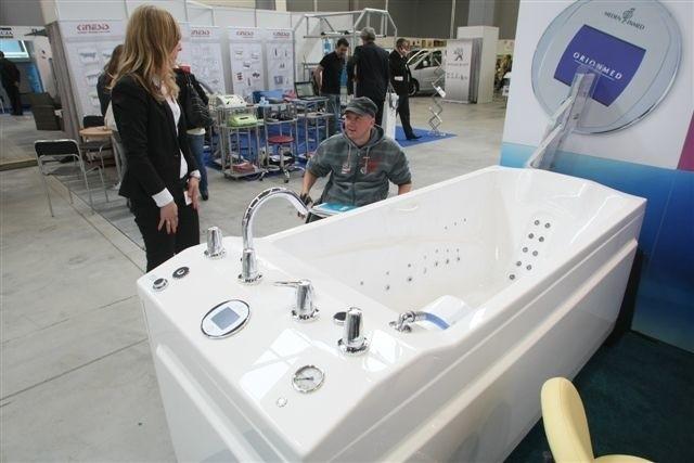 Wanny do hydromasażu, łożko fakira i wiele innych ciekawych wynalazków do poprawiania zdrowia i urody można zobaczyć na targach Rehmed Expo