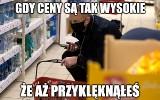 Andrzej Duda oddał hołd niskim cenom MEMY Internet komentuje zakupy prezydenta. Duda w słuchawkach szuka inspiracji?