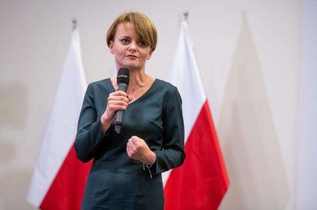 Jadwiga Emilewicz w rozmowie z dziennikarzem Money.pl tłumaczyła, że odmrożenie gospodarki nie nastąpiło zbyt wcześnie