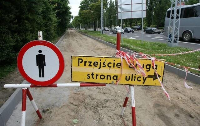 Kwotę 50 milionów złotych dostaną do rozdysponowania do 2023 roku gdyńskie rady dzielnic. To dobra wiadomość dla mieszkańców Gdyni, którzy nierzadko latami czekają i proszą o remonty nierównych chodników, czy zaniedbanych ulic w peryferyjnych częściach miasta.