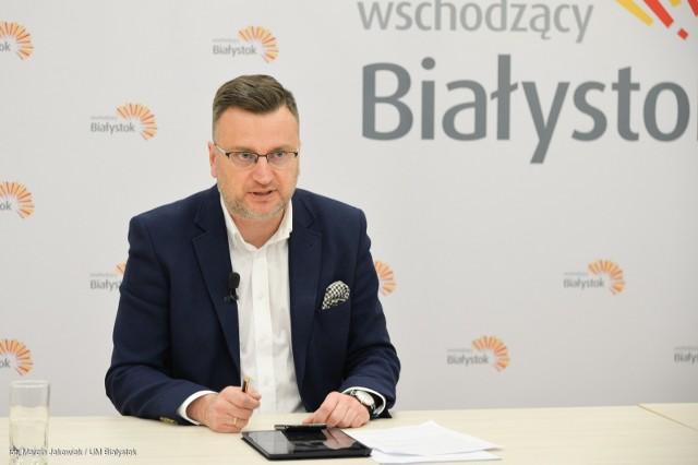 Z roku na rok liczba niepublicznych placówek oświatowych rośnie, a samorządy muszą je zgodnie z przepisami  dotować. Stąd też z roku na rok rosną koszty jaki ponosimy z tego tytułu - mówi wiceprezydent Rafał Rudnicki.