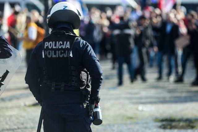 Wprowadzenie narodowej kwarantanny w czasie koronawirusa będzie skutkowało dodatkowymi obowiązkami dla policji i służb. Trzeba będzie pilnować przestrzegania zasad przez Polaków.