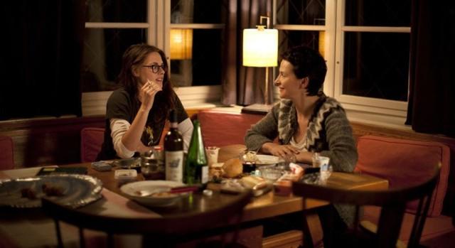 Kadr z filmu Sils Maria. Główne role grają Juliette Binoche i Kristen Stewart.