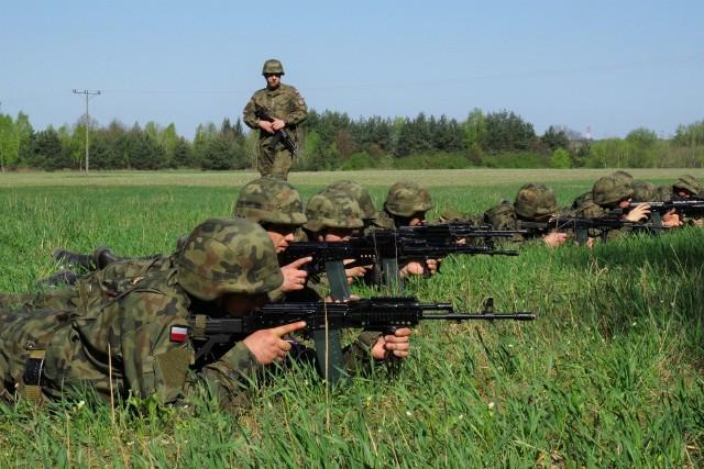 Wspólnie ćwiczyli żołnierzy kompanii wchodzącej w skład 34. Batalionu Lekkiej Piechoty z Jarosławia ze Strażą Graniczną. Terytorialsi dowiedzieli się jak pracuje i jakim sprzętem dysponuje Straż Graniczna z placówki w Horyńcu Zdroju, wchodzącej w skład Bieszczadzkiego Oddziału Straży Granicznej.
