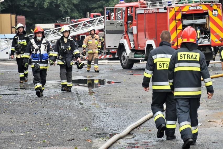 Pożar dachu zajezdni autobusowej PKM w Jastrzębiu Zdroju