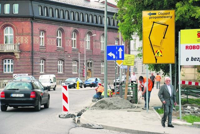 Chociaż trwają ostatnie prace, można już jeździć ulicą Biecką