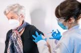 Jakie są niepożądane objawy poszczepienne przy szczepieniach przeciw COVID? Czy występują zgony po szczepieniu przeciw COVID-19? 13.05.2021