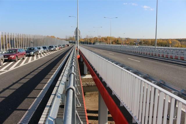 W listopadzie 2014 otwarto odcinek trasy DTŚ w Gliwicach. Trasa na wschód do Mysłowic na razie pozostaje zagadką.