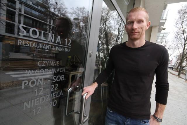 Karol Bielecki jest właścicielem restauracji Solna 12 w Kielcach.