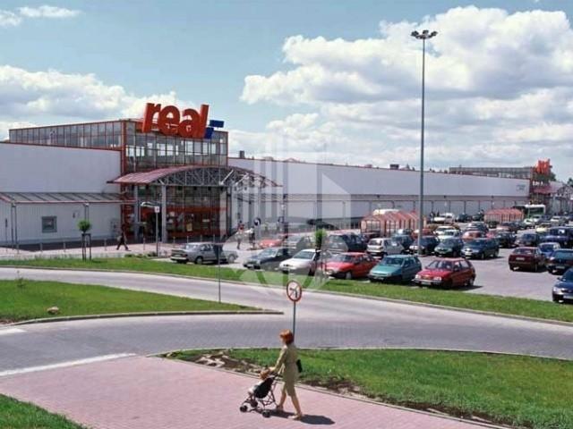Metro Group sprzedaje sieć Real w Europie Wschodniej firmie Auchan