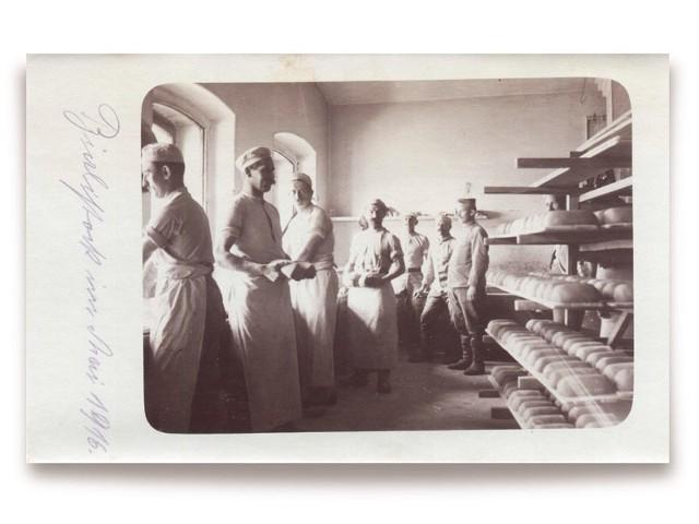 Wnętrze białostockiej piekarni w 1916 r. Ze zbiorów Muzeum Podlaskiego w Białymstoku