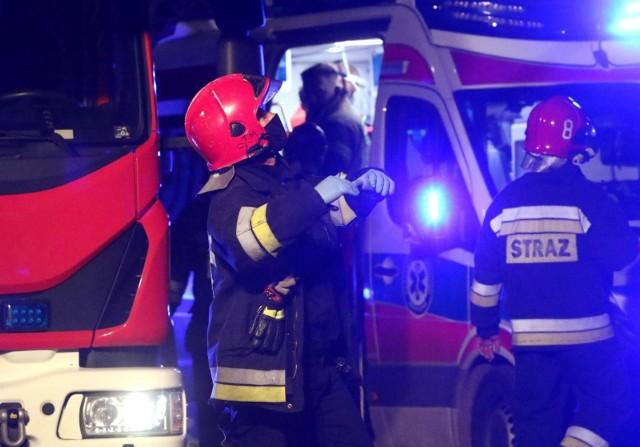 Cztery zastępy straży pożarnej interweniowały przy ul. Biskupińskiej.