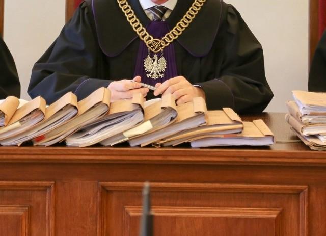 Przed sądem domagał się 200 tys. złotych odszkodowania oraz 350 tys. złotych zadośćuczynienia za krzywdę