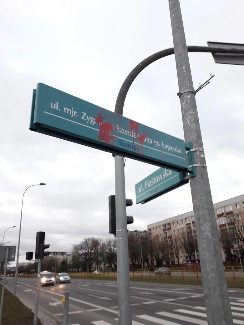 Na ul. Łupaszki w Białymstoku co jakiś czas pojawiają się...