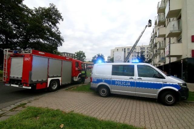 Interwencja służb przy ul. Ślężnej we Wrocławiu 20.09.2021