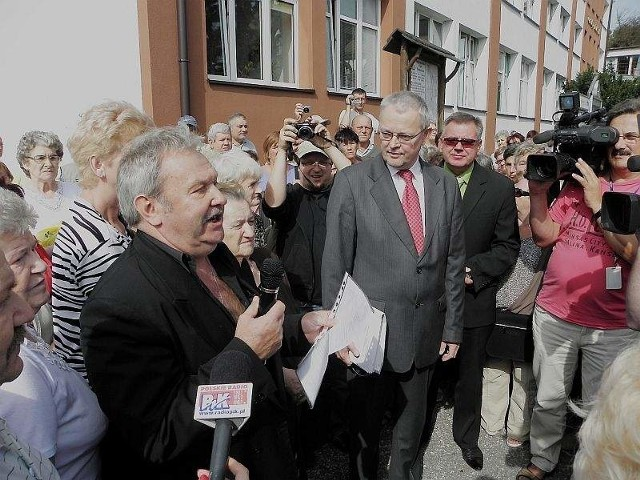 Manifest mieszkańców InowrocławiaProtest pod Ratuszem