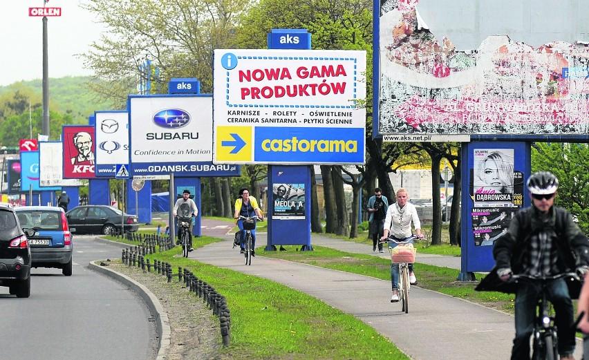 Urzędnicy z Gdańska zapowiadają, że ograniczą miejsca, gdzie jest takie nagromadzenie billboardów jak przy al. Grunwaldzkiej. Rozważana jest możliwość posadzenia drzew w miejscu tych nośników