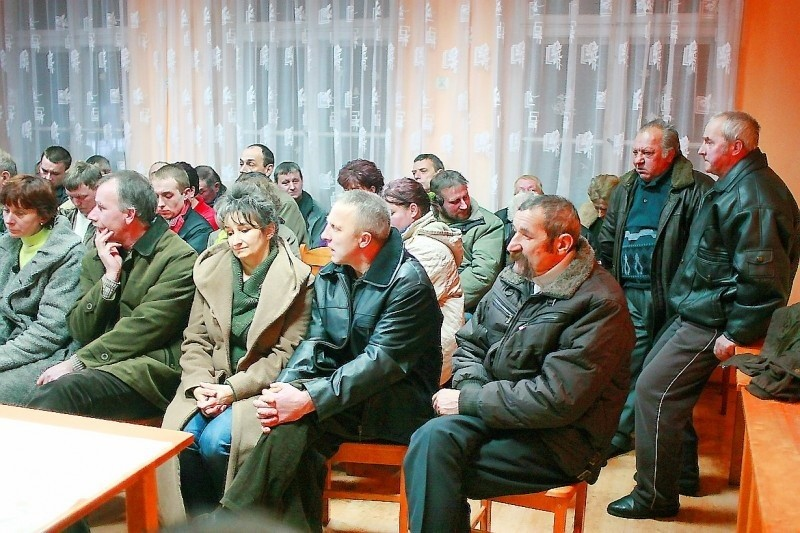 Mieszkańcy Piastoszyna z przymrużeniem oka podeszli do nietypowych gości, witający przyjezdnych.