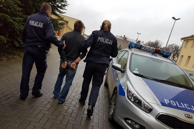 Policjanci ze Strzelec Krajeńskich i Drezdenka zatrzymali trzech mężczyzn, którzy ukrywali się przed odbyciem kary pozbawienia wolności za wcześniejsze przewinienia.