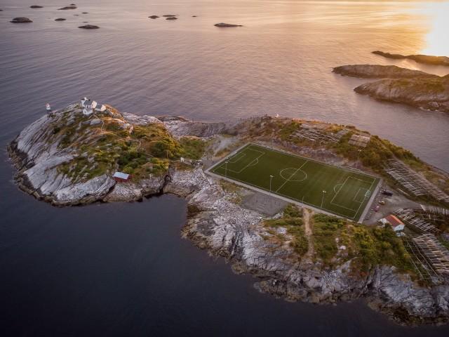 Boisk w norweskim Henningsvaer, na archipelagu Lofoty