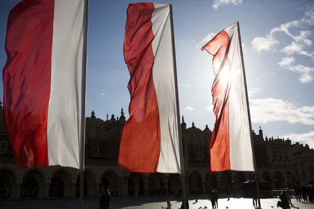 Sejm przegłosował ustawę o obowiązkowym dniu wolnym 12 listopada w zamian za przypadający 11 listopada Narodowe Święto Niepodległości.