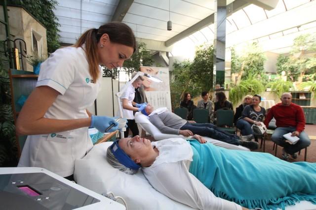 Podczas Dnia Otwartego Invex Remedies można było poddać się zabiegom odmładzającym i zredukować przebarwienia, które pojawiły się na skórze w wyniku opalania.