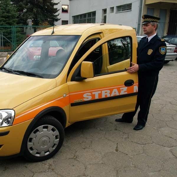 Podpis: Jak mówi Arkadiusz Misiak, komendant mieleckiej straży miejskiej, gaz ziemny oznacza wydatek około trzy razy mniejszy niż dotąd.