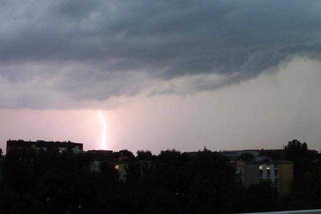 Gdzie jest burza 26.07.2021. Ostrzeżenie pogodowe IMGW. Przez województwo podlaskie przejdą burze z gradem. Sprawdź radar burzowy online