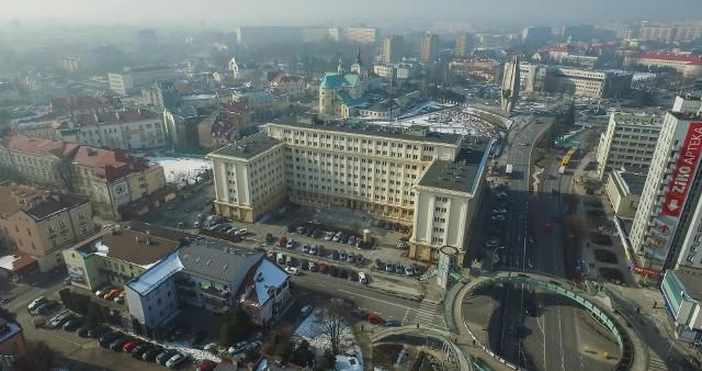 Rzeszów to jedyne miasto na Podkarpaciu, które zgodnie z ustawą o elektromobilności będzie musiało ograniczyć kierowcom starych samochodów dostęp do ścisłego centrum.