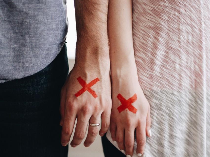 Gdzie w Polsce jest najwięcej rozwodów? Przyjrzeliśmy się danym GUS, żeby odpowiedzieć na to pytanie. Ciekawe, co takiego mają w sobie te miejsca...Miasta uszeregowano według rosnącej liczby rozwodów na 1000 mieszkańców.
