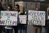 Strajk nauczycieli. Akcja solidarności na placu Litewskim (ZDJĘCIA, WIDEO)