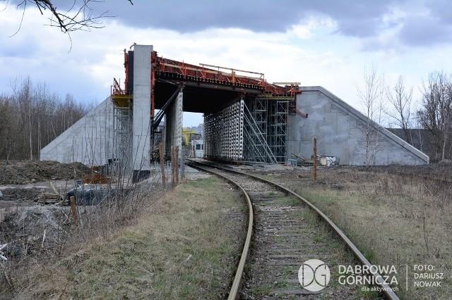 Tak dziś wygląda całkowita przebudowa infrastruktury komunikacyjnej w Dąbrowie Górniczej Zobacz kolejne zdjęcia/plansze. Przesuwaj zdjęcia w prawo - naciśnij strzałkę lub przycisk NASTĘPNE