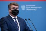 Kryzys na granicy polsko-białoruskiej. Sterczewski wzywa karetkę, Wąsik chce by poseł poniósł koszty