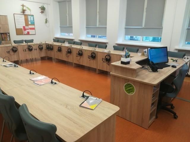 Nowoczesna pracownia językowa w Szkole Podstawowej nr 6 w Ostrołęce