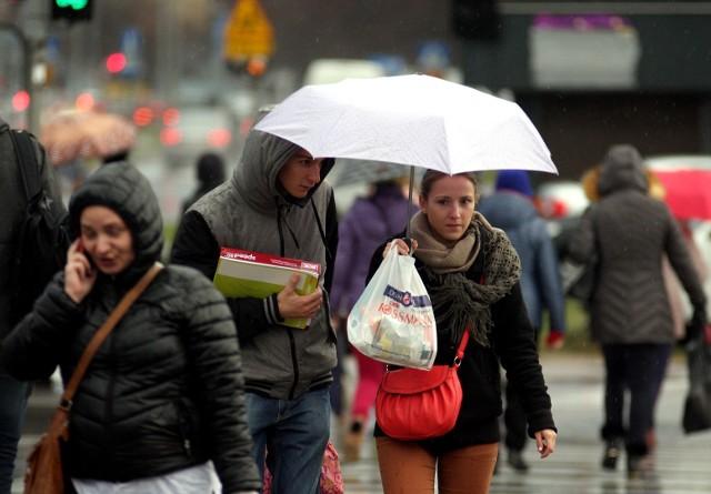 Z zachodu nad Kujawy i Pomorze nadciąga wilgotny i chłodny front atmosferyczny. Pogoda zmieni się nie do poznania